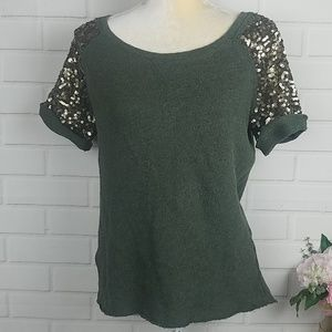 H&M dark green short sleeve top with gold Sequins